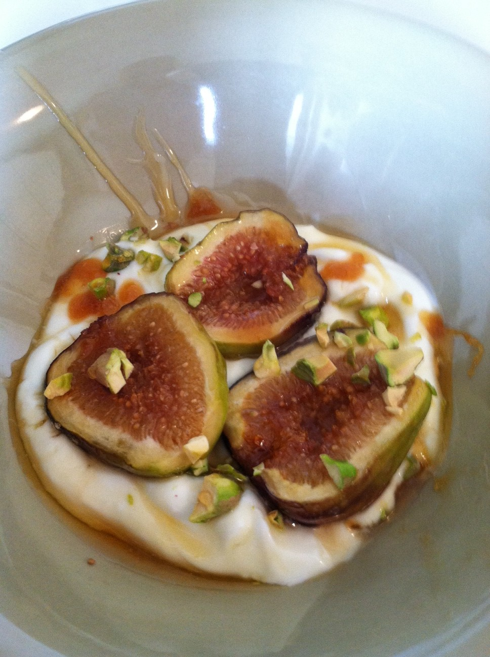 caramelized figs with honey yogurt caramelized figs yogurt caramelized ...